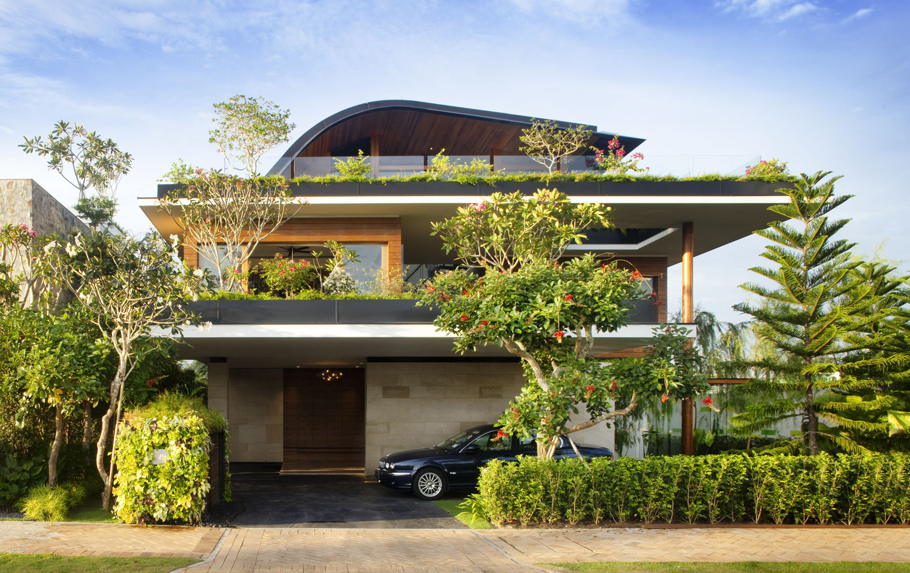 MEERA SKY GARDEN HOUSE - Guz Architects | Singapore, UK on roof wood house, tangga house, steep slope on a green house, sky tree house, sky building house, the manor house, gazebo house, la jolla razor house, sky does minecraft house, riverside house, shipping container guest house, sky blue house, game room house,